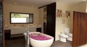 prestige villa fürdőszoba