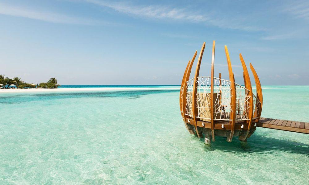 Lux South Ari Atoll ***** - reggeli a vízre épült étteremben